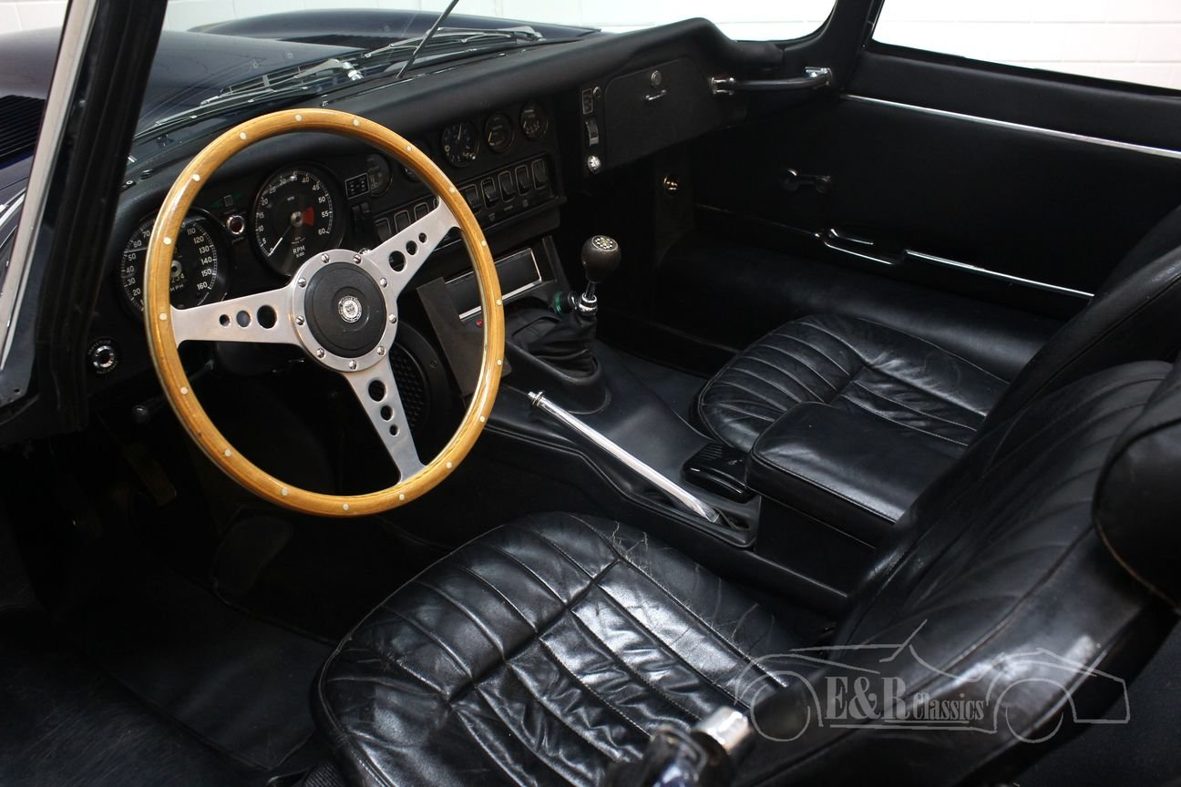 Jaguar E-type Series 2 Cabriolet 1970 Dark blue For Sale (picture 3 of 6)
