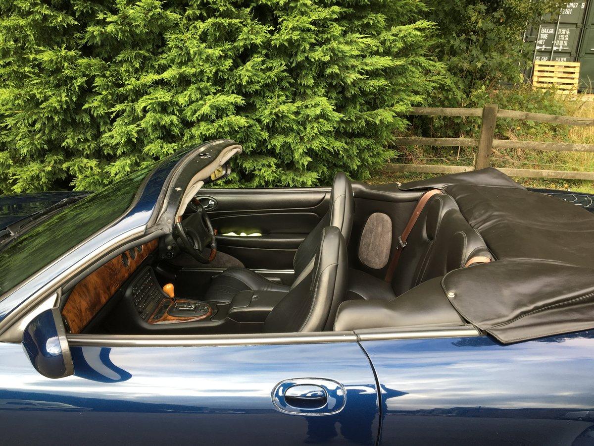 1999 Jaguar XKR Convertible    Lot 808 Estimate £6,000 - £8,000 For Sale by Auction (picture 5 of 6)