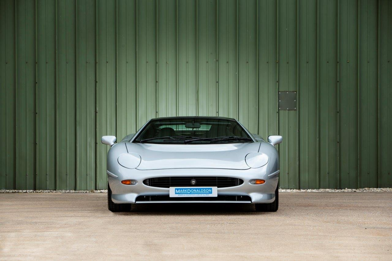 1993 Jaguar XJ220, RHD, 6,700 miles For Sale (picture 2 of 6)