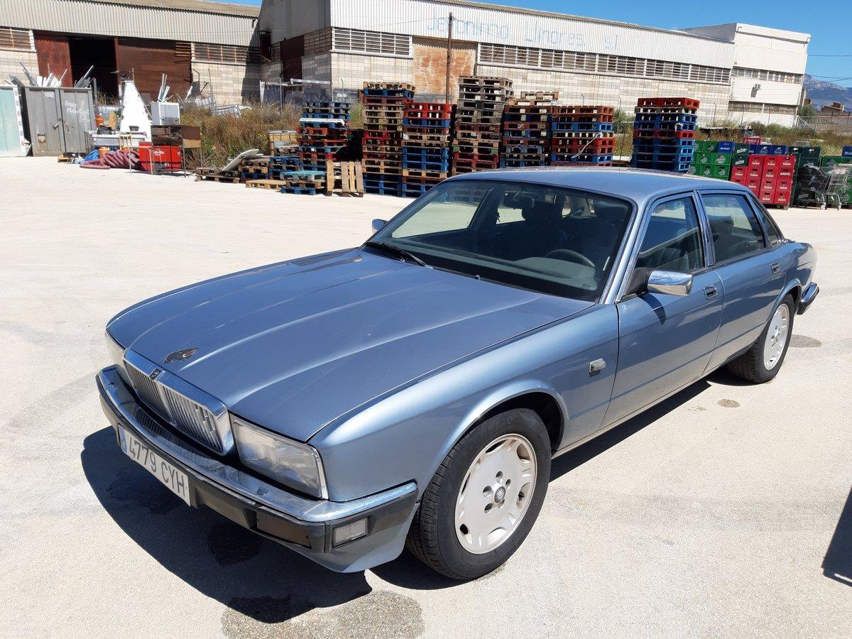 1987 Jaguar XJ6 3.6 auto For Sale (picture 1 of 6)