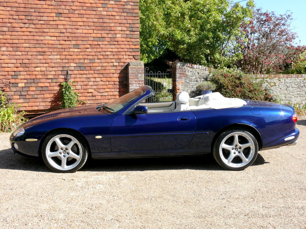 2002 Jaguar XKR Convertible  For Sale (picture 2 of 6)