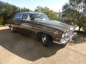 1970 Jaguar 420G  model