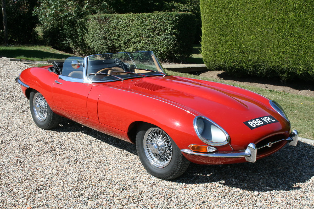1961 Jaguar 'E' TYPE Flat Floor Roadster. Now sold, more E Types Wanted (picture 1 of 6)