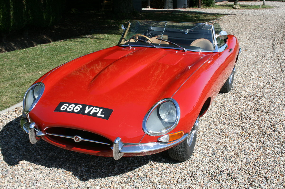 1961 Jaguar 'E' TYPE Flat Floor Roadster. Now sold, more E Types Wanted (picture 2 of 6)