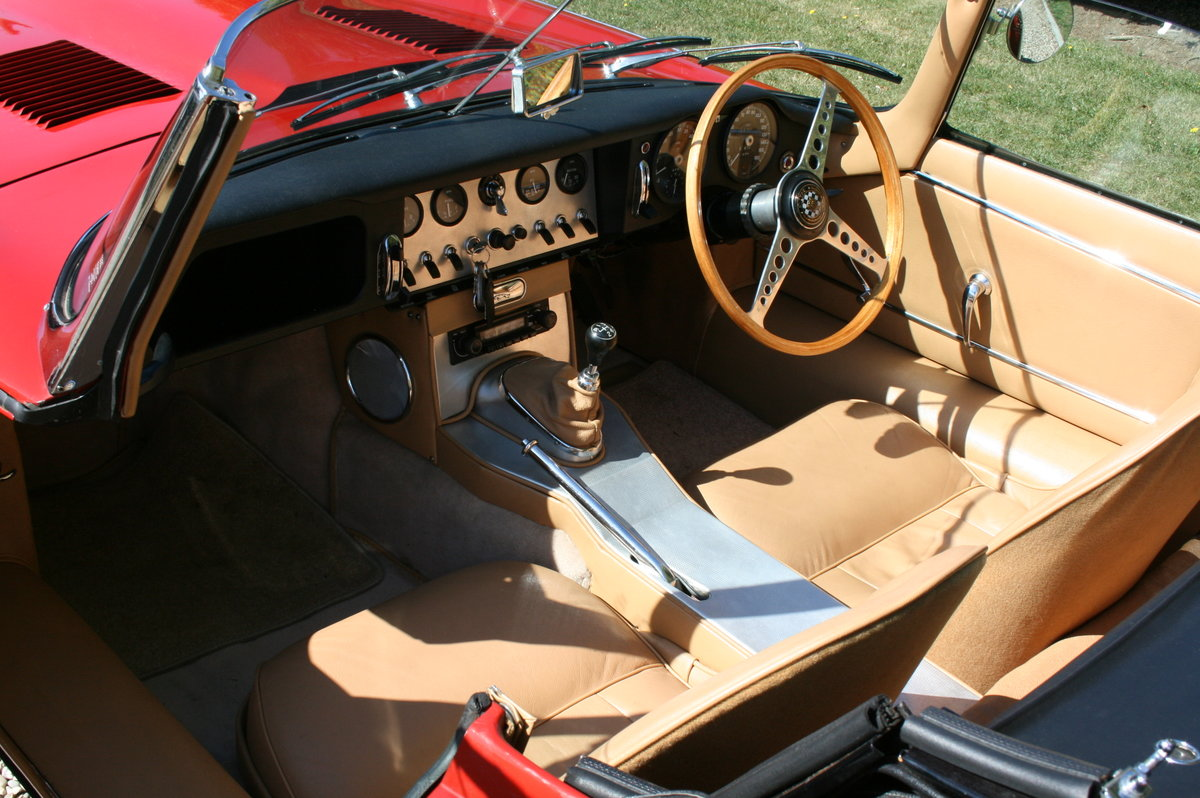 1961 Jaguar 'E' TYPE Flat Floor Roadster. Now sold, more E Types Wanted (picture 3 of 6)