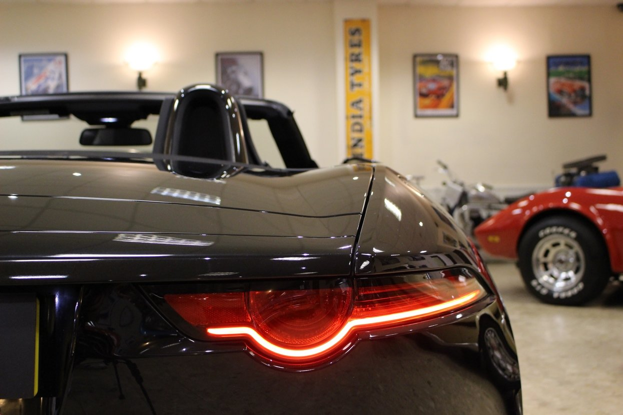 2018 Jaguar F-Type 3.0 Litre V6 340PS Supercharged Convertible  For Sale (picture 4 of 6)