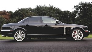 2007 Jaguar xjr portfolio 1 of 100 limited production