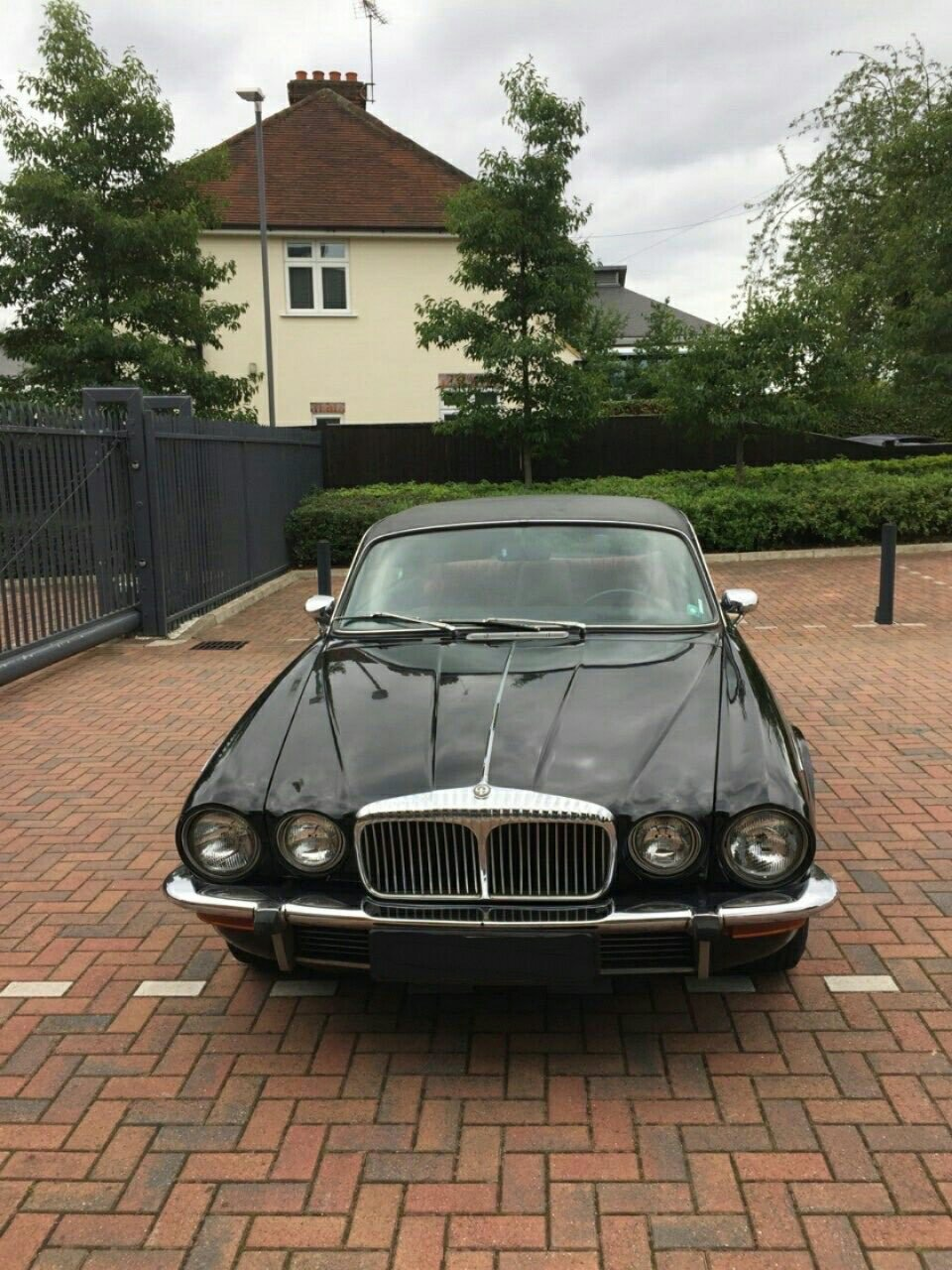 1975 Jag/Daimler Coupe Great Project  For Sale (picture 2 of 6)