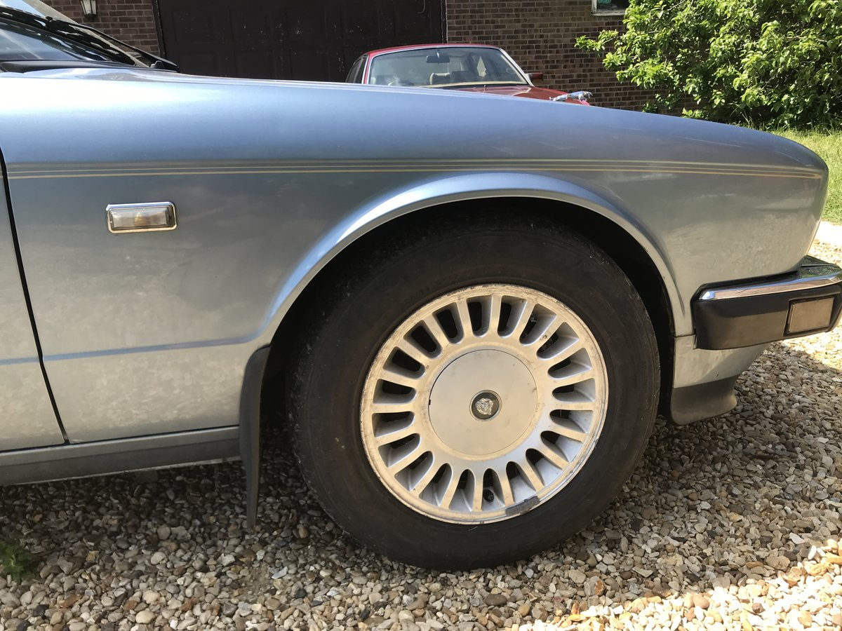 1989 Jaguar XJ40 Sovereign 3.6 Spares or Repairs For Sale (picture 4 of 6)