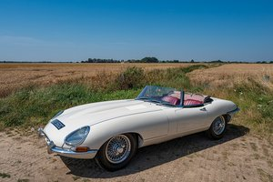 1965 JAGUAR E-TYPE 4.2 SERIES 1 ROADSTER // Fully Restored // For Sale