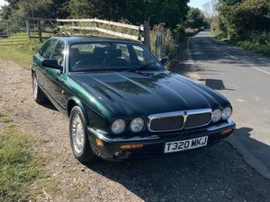 1999 Jaguar XJ8 3.2