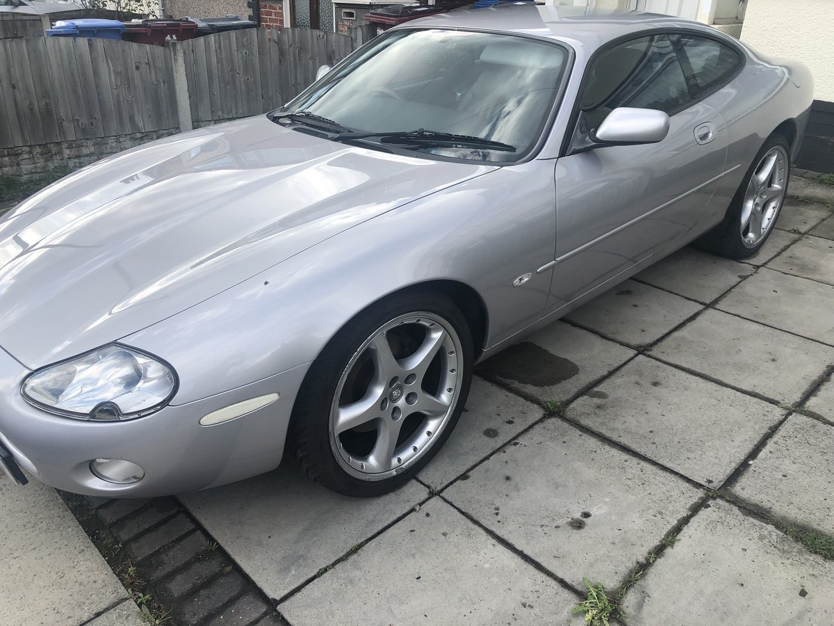 2001 Jaguar Xk8 silver For Sale by Auction (picture 3 of 6)