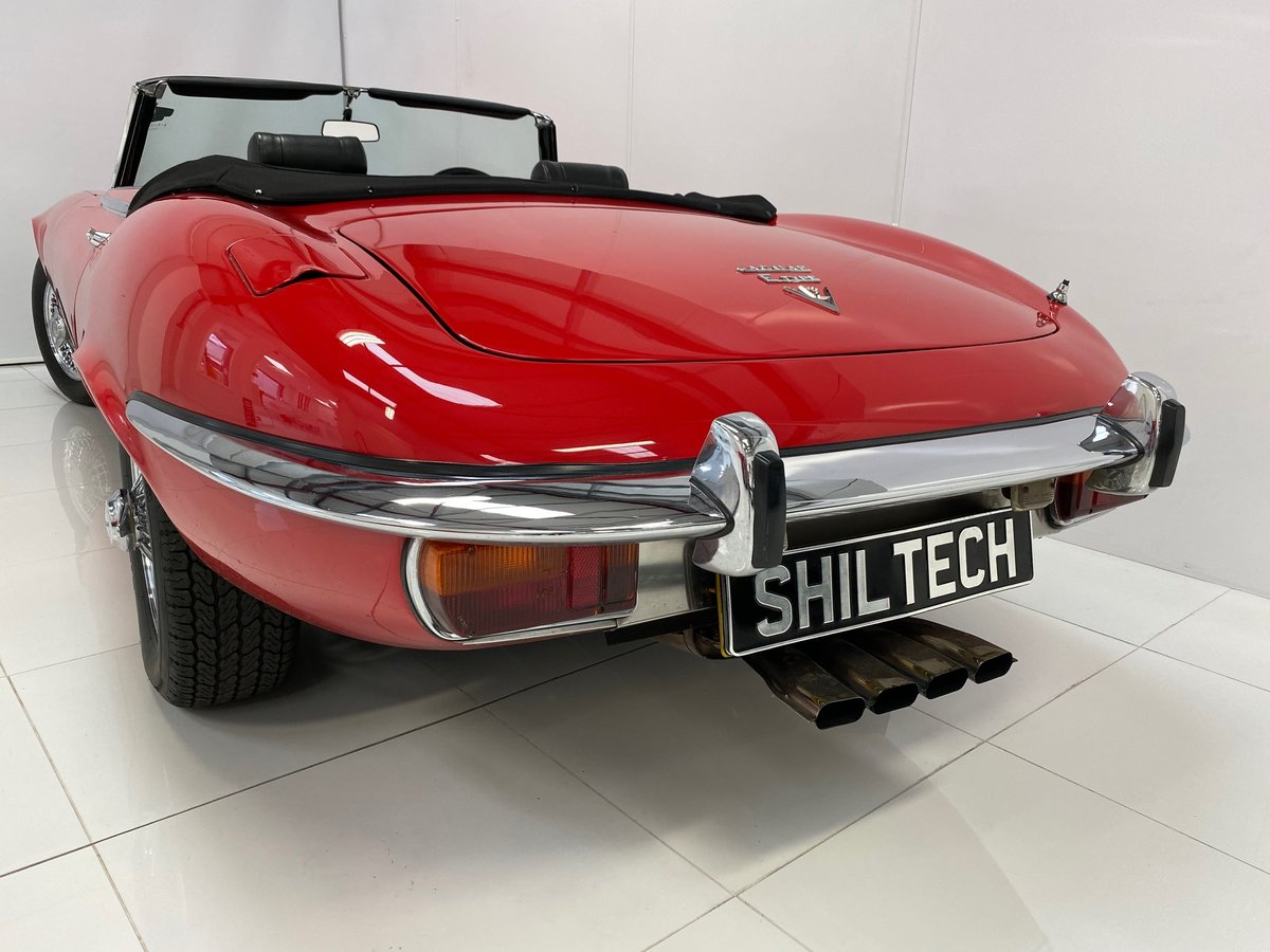 1974 5.3 ltr V12 Open Two Seater UK RHD All Original Only 34,706K For Sale (picture 5 of 6)
