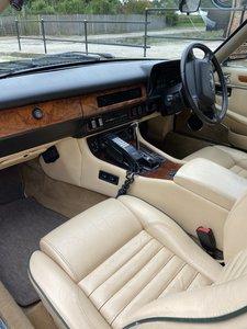 1990 Jaguar XJS with Original Car Phone!