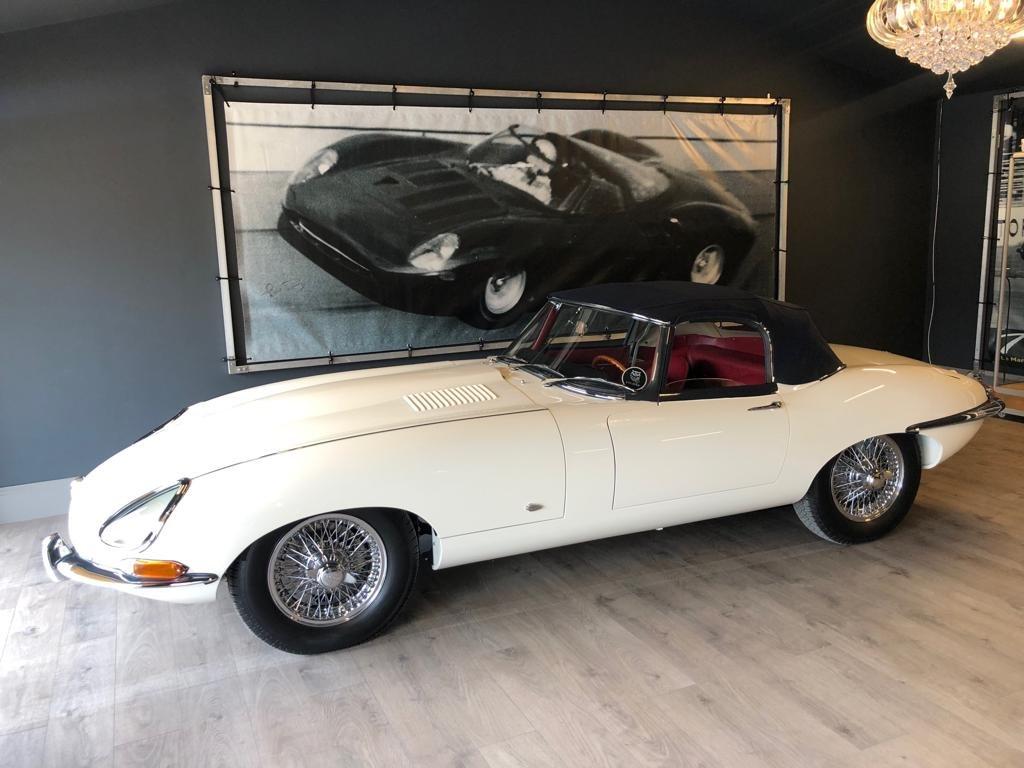 1961 Jaguar E-Type 3.8 series 1 Flat floor Roadster SOLD (picture 1 of 10)