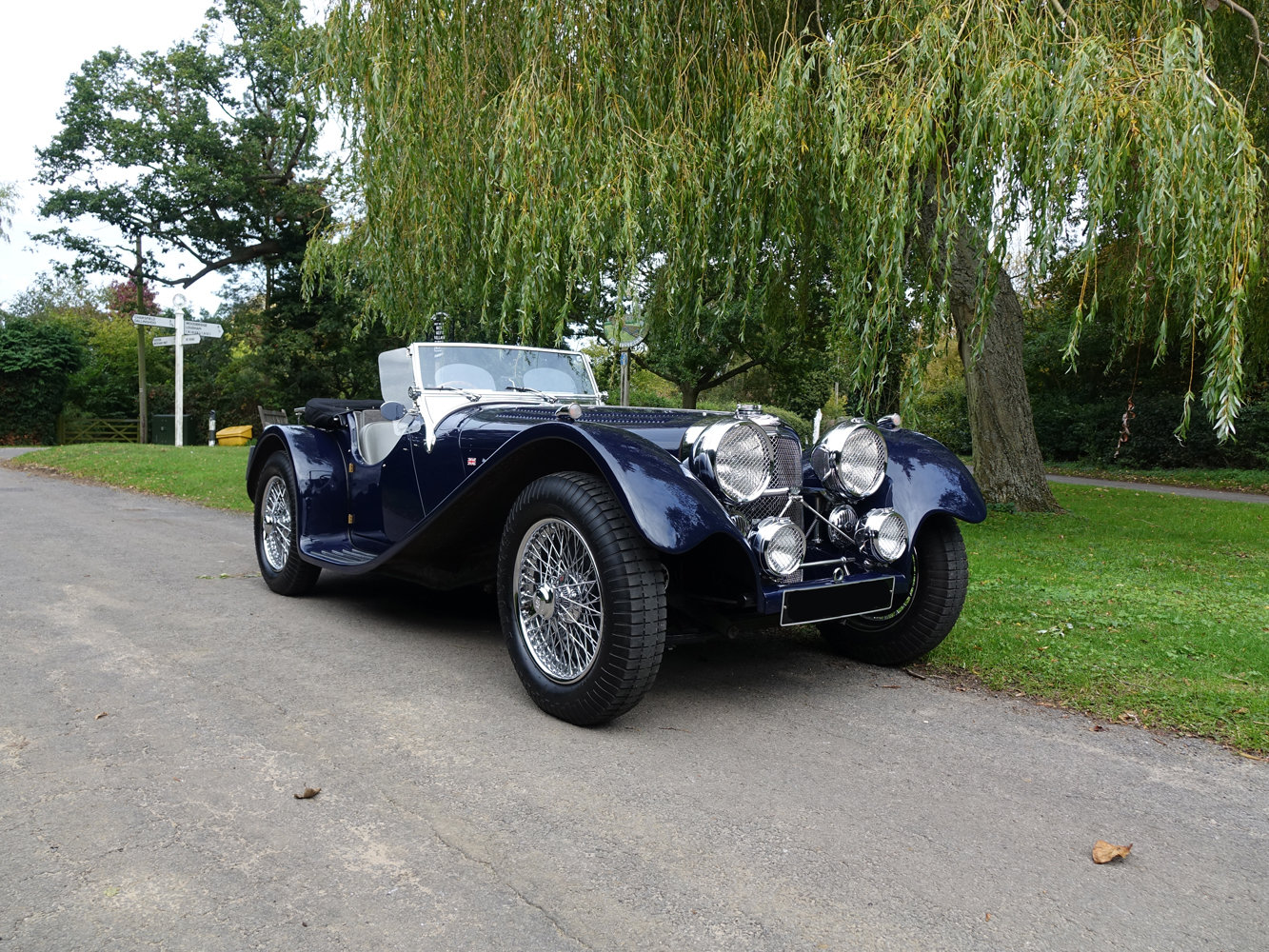Suffolk Jaguar SS100 4.2 Top specification 6000 miles For Sale (picture 1 of 6)