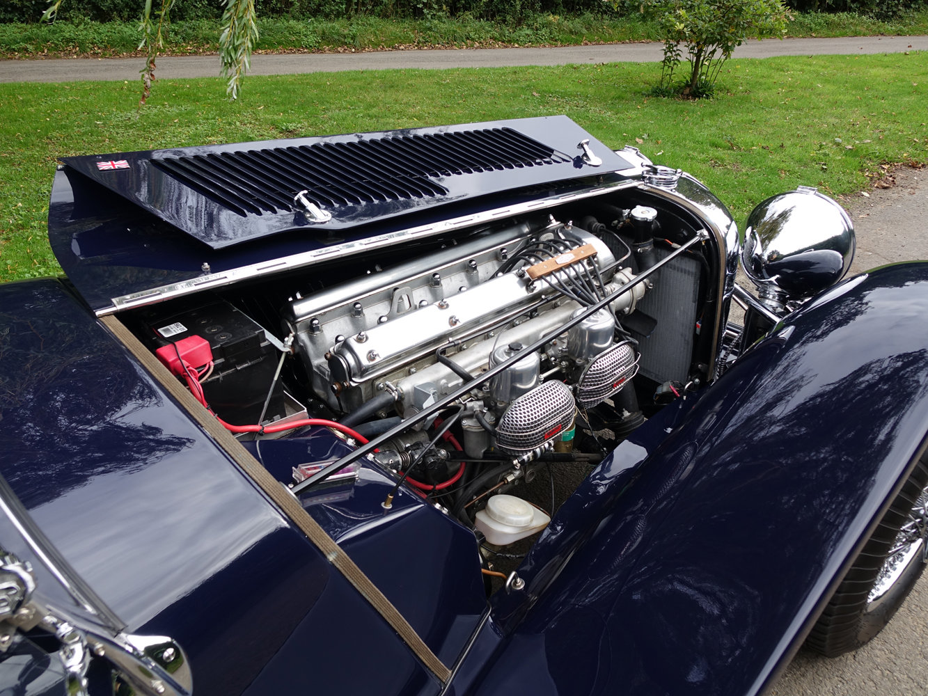 Suffolk Jaguar SS100 4.2 Top specification 6000 miles For Sale (picture 5 of 6)