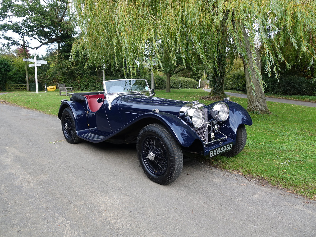 Suffolk Jaguar SS100 4.2 with Certificat D'imatricuation For Sale (picture 1 of 6)