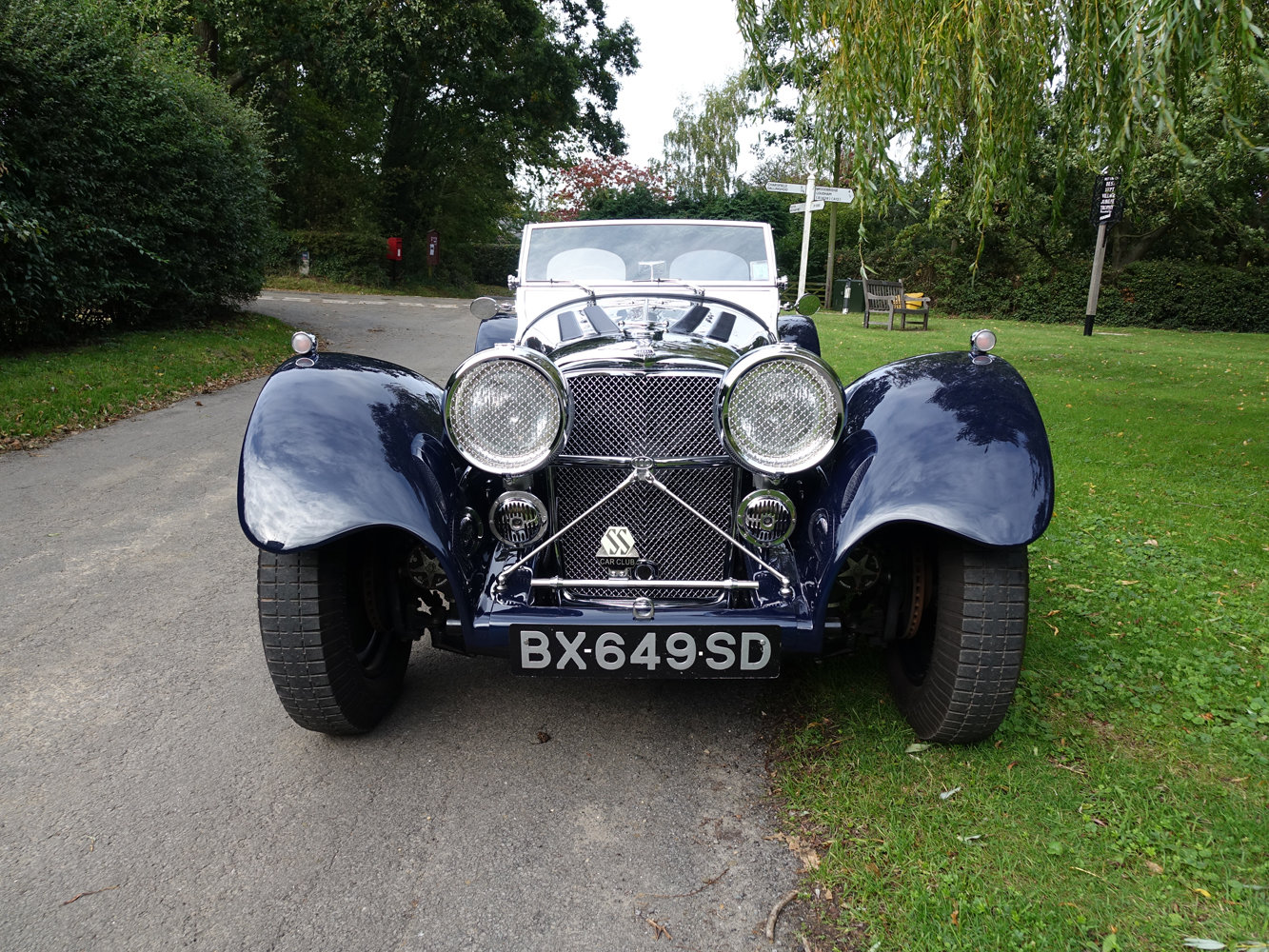Suffolk Jaguar SS100 4.2 with Certificat D'imatricuation For Sale (picture 3 of 6)