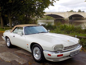 Picture of 1995 Jaguar XJS 6.0 V12 Convertible - LHD