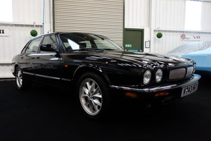 1999 Jaguar XJ8 4.0 Excellent condition A lovely example SOLD