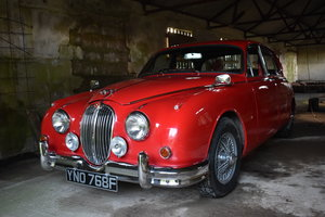 LOT 28: A 1967 Jaguar MkII 340 automatic saloon - 03/11/19 SOLD by Auction