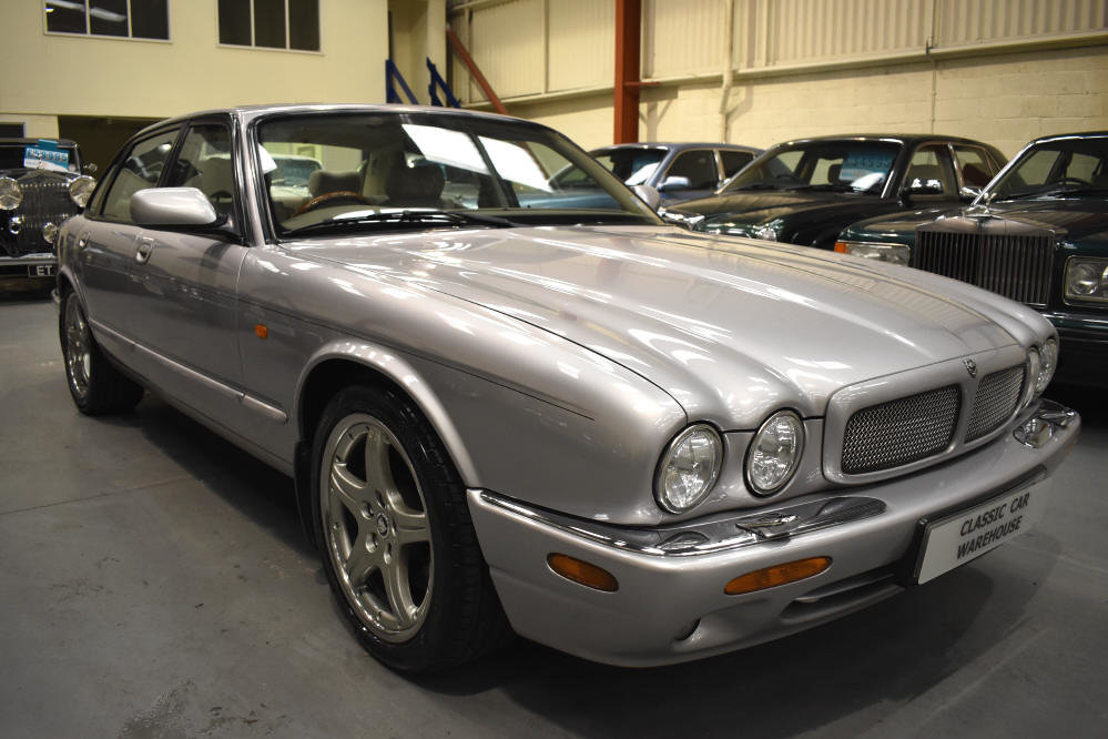 2000 Presents well with superb service history For Sale (picture 1 of 6)