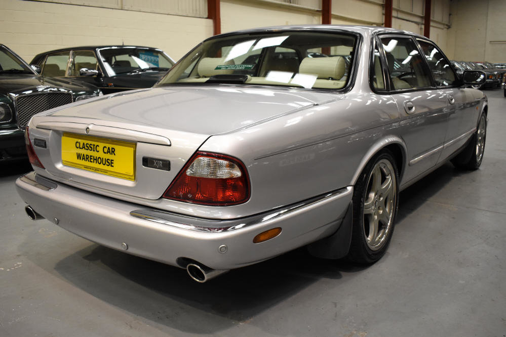 2000 Presents well with superb service history For Sale (picture 2 of 6)