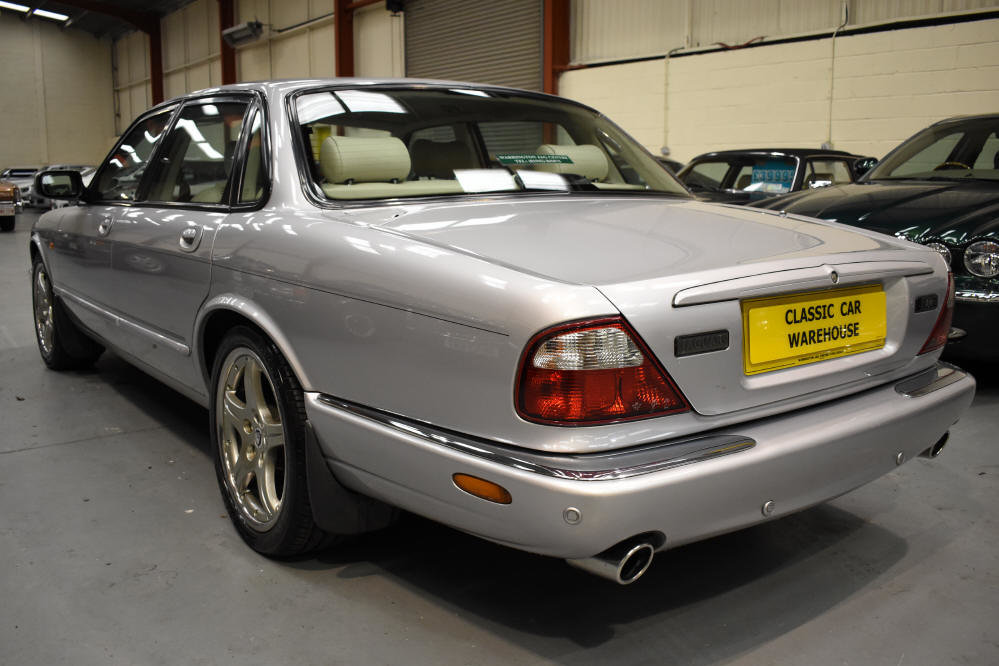 2000 Presents well with superb service history For Sale (picture 3 of 6)