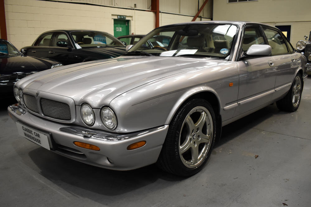 2000 Presents well with superb service history For Sale (picture 4 of 6)