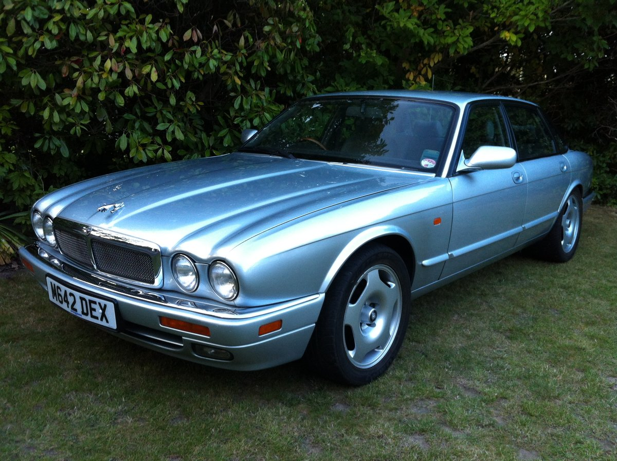 1995 JAGUAR XJR MANUAL SOLD (picture 1 of 6)