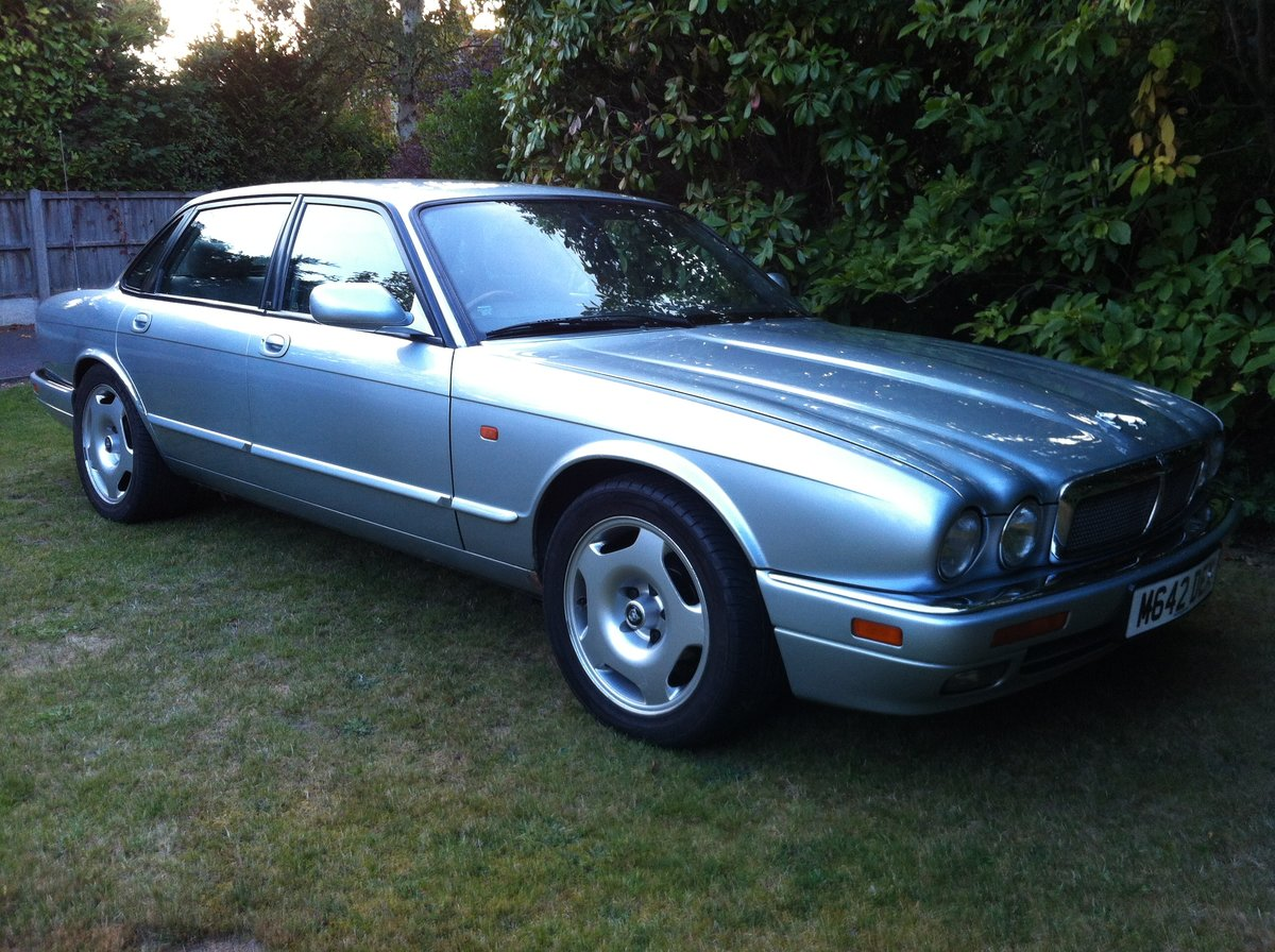 1995 JAGUAR XJR MANUAL SOLD (picture 2 of 6)