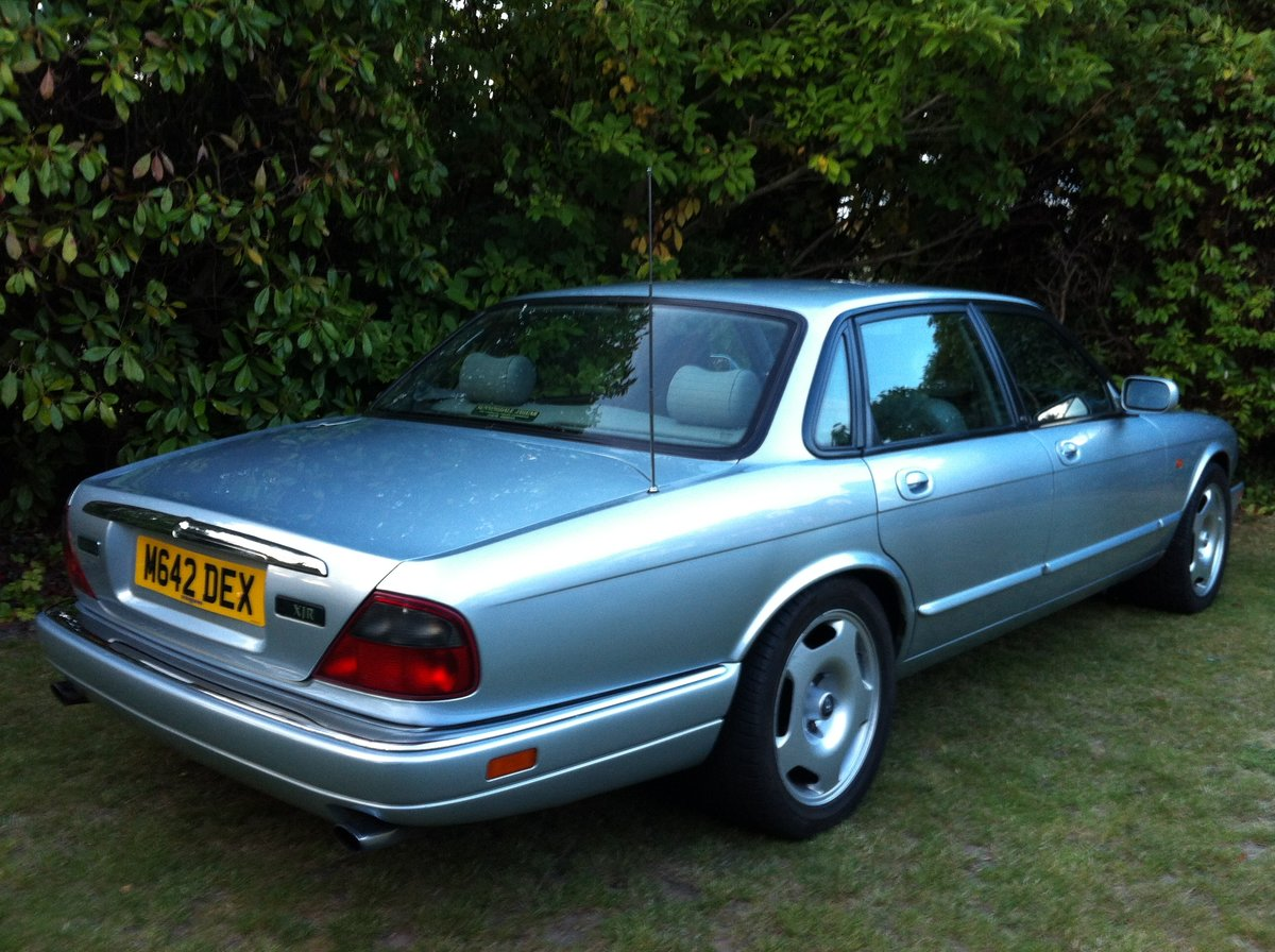 1995 JAGUAR XJR MANUAL SOLD (picture 3 of 6)