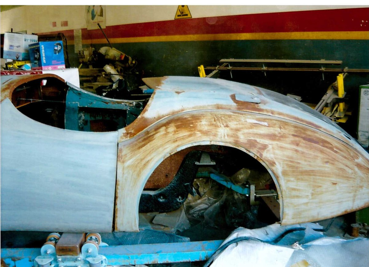 1953 XK 120 road chassis and body For Sale (picture 3 of 6)