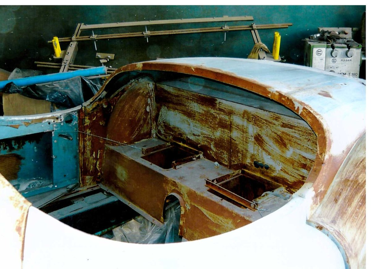 1953 XK 120 road chassis and body For Sale (picture 4 of 6)