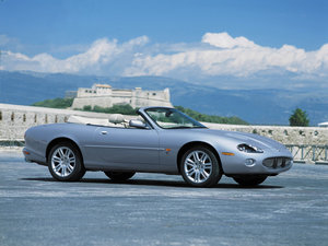 2000  Original LHD Jaguar XKR 4.0 V8 Convertible LEFT HAND DRIVE For Sale