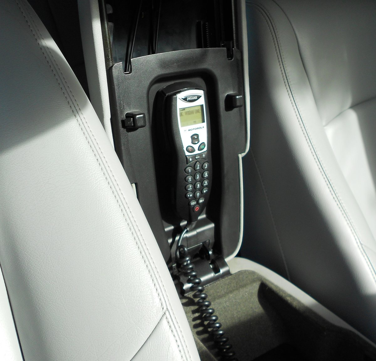 2005 JAGUAR XJR (X350) LOW MILEAGE WITH FSH For Sale (picture 5 of 6)