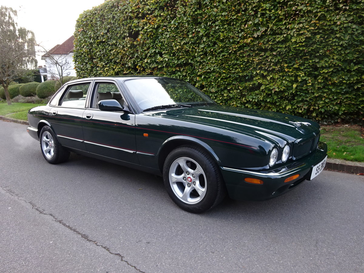 2000 JAGUAR XJ8 4 Ltr  'SPORTS PACK' 19,000 miles only For Sale (picture 1 of 6)