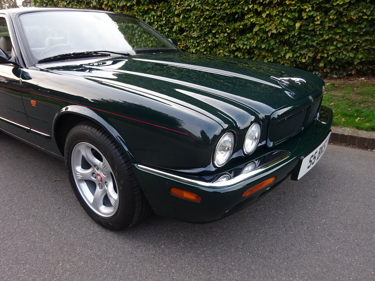 2000 JAGUAR XJ8 4 Ltr  'SPORTS PACK' 19,000 miles only For Sale (picture 2 of 6)