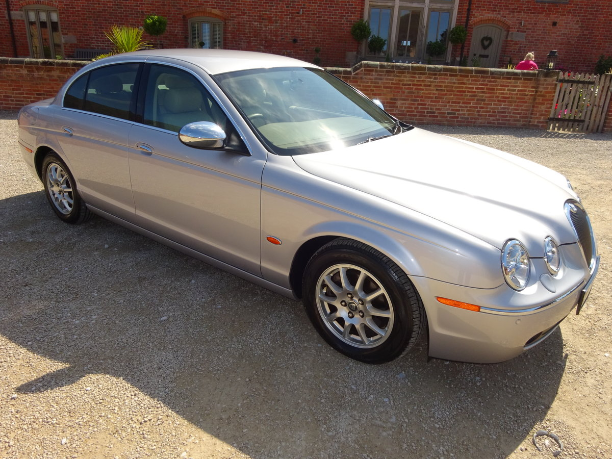2005 JAGUAR S-TYPE 2.5 V6 AUTO - COVERED 21K MILES 1 OWNER   For Sale (picture 1 of 6)