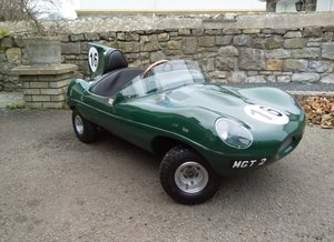 Jaguar D Type toy car - Perfect Christmas gift!