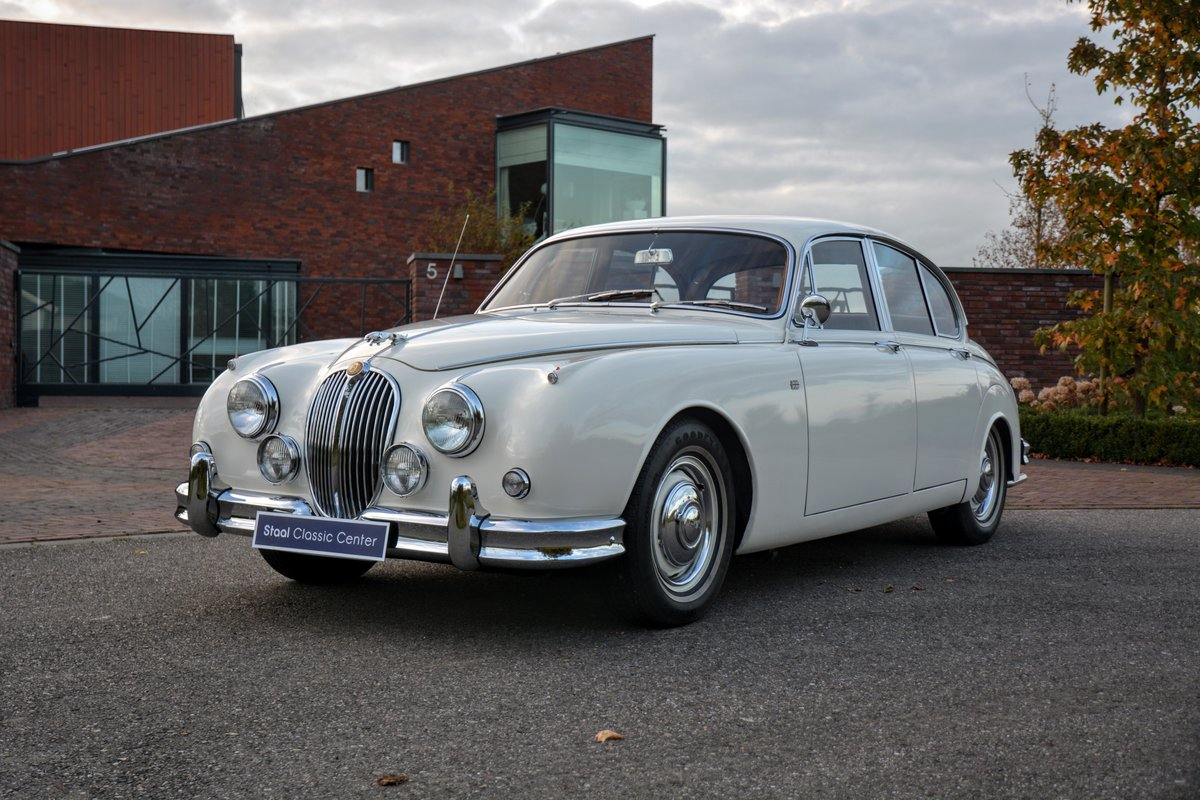 1960 Jaguar MKII Fully restored - second owner - 100% history  For Sale (picture 1 of 6)