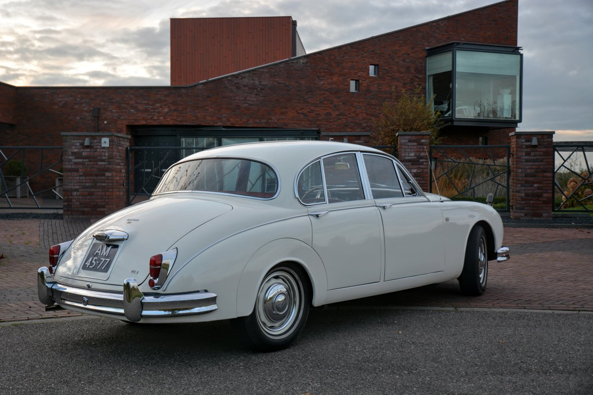 1960 Jaguar MKII Fully restored - second owner - 100% history  For Sale (picture 3 of 6)