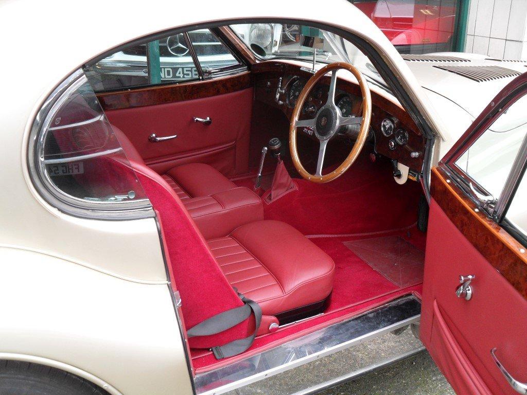 1952 Jaguar XK 120 For Sale (picture 4 of 5)