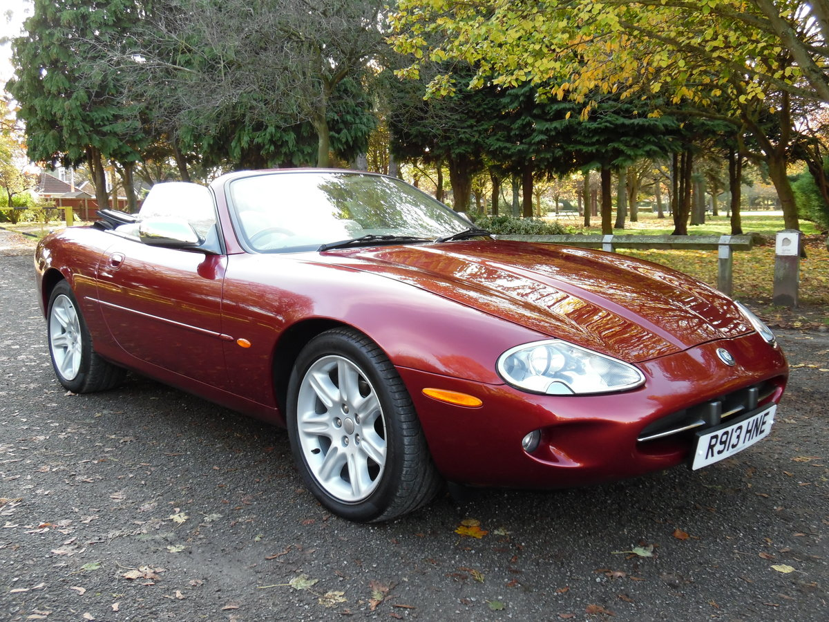 1997 Jaguar XK8 4.0 auto 89,000 Miles, Full Service History. For Sale (picture 1 of 6)
