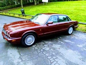 1997 jaguar xj8 3.2 v8 Auto Red stunning
