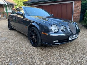 2002 Rare Model 4.2 Litre V8. Full History. 2 owners from New.