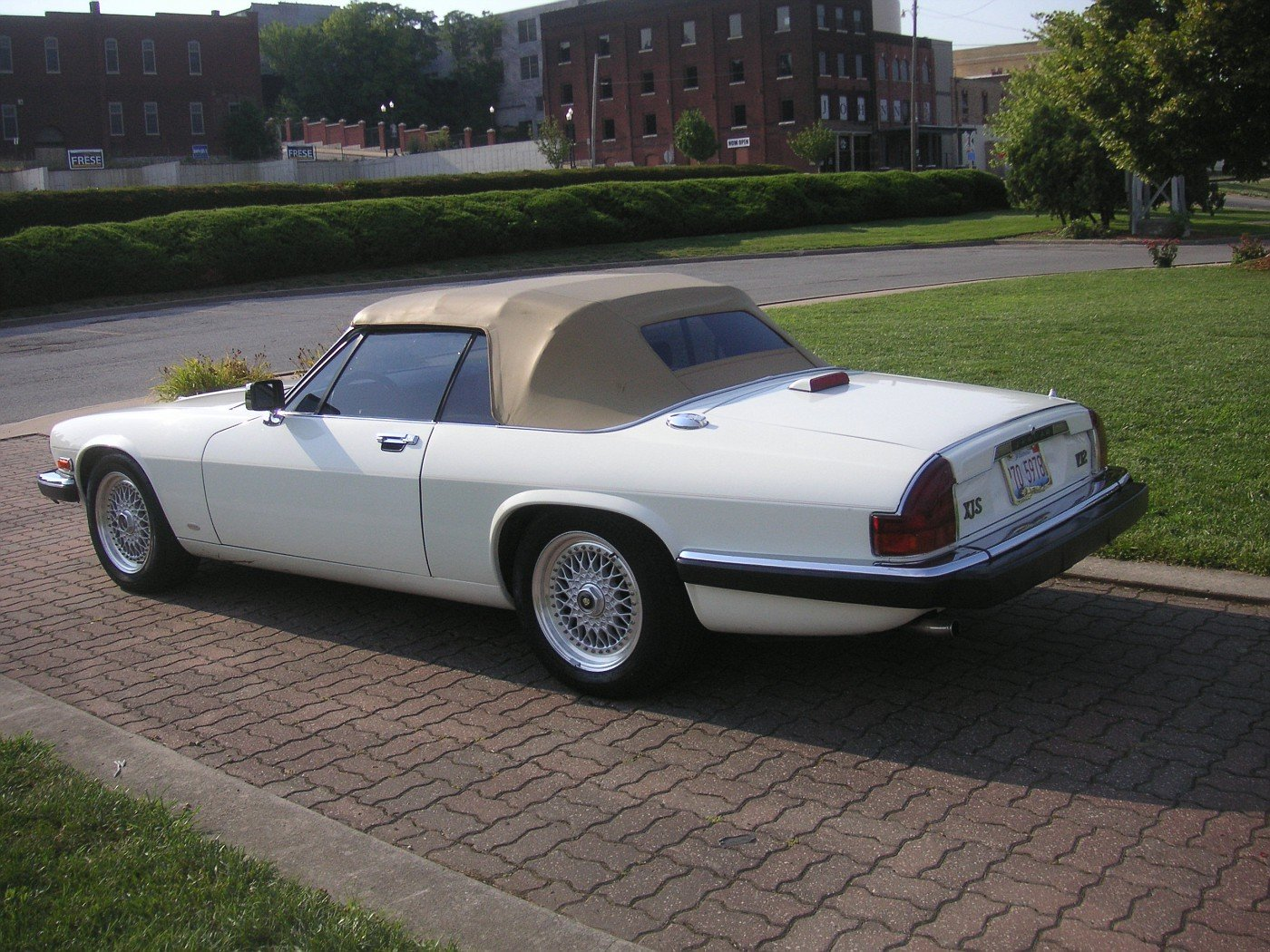 1988 Jaguar XJS V-12 Hess & Eisenhardt Convertible For Sale (picture 6 of 6)