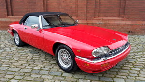 Picture of 1991 JAGUAR XJS CONVERTIBLE 5.3 V12 RARE IMPORTED RHD AUTO *