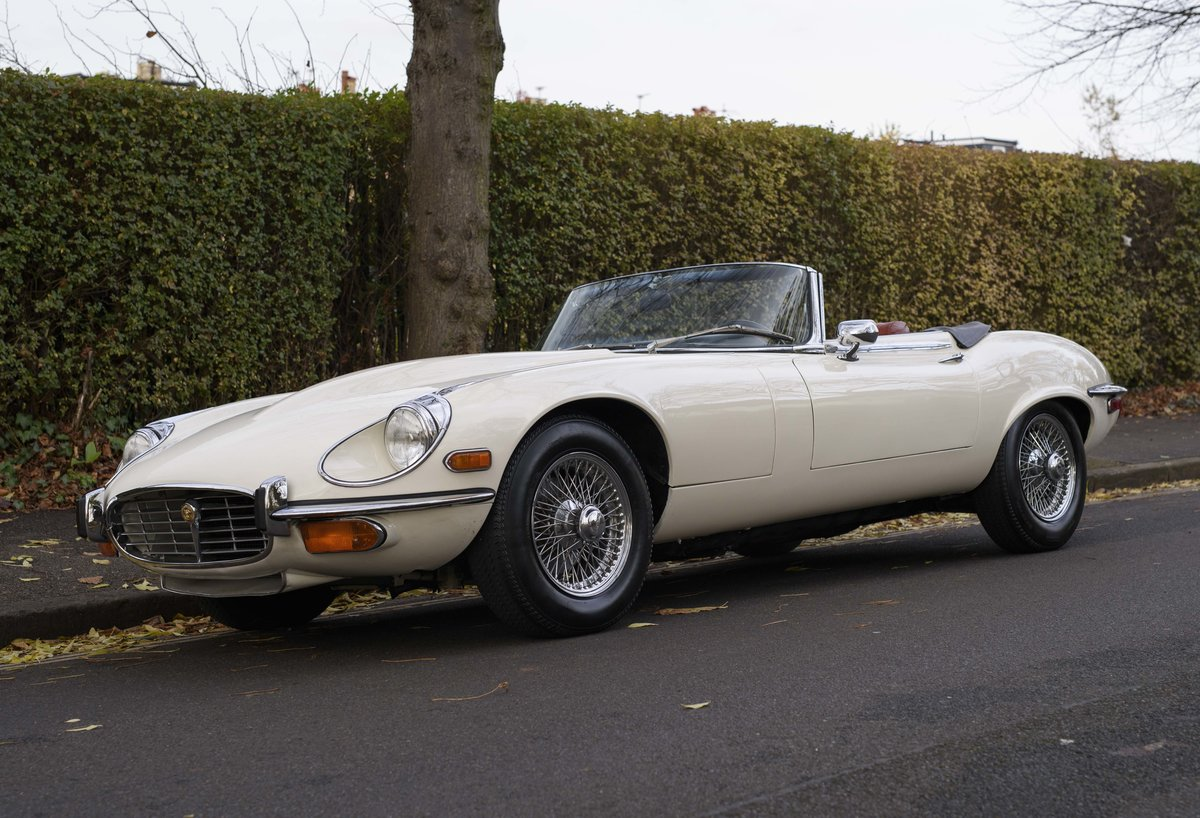 1974 Jaguar E-Type Series 3 V12 Roadster For Sale in London For Sale (picture 1 of 24)